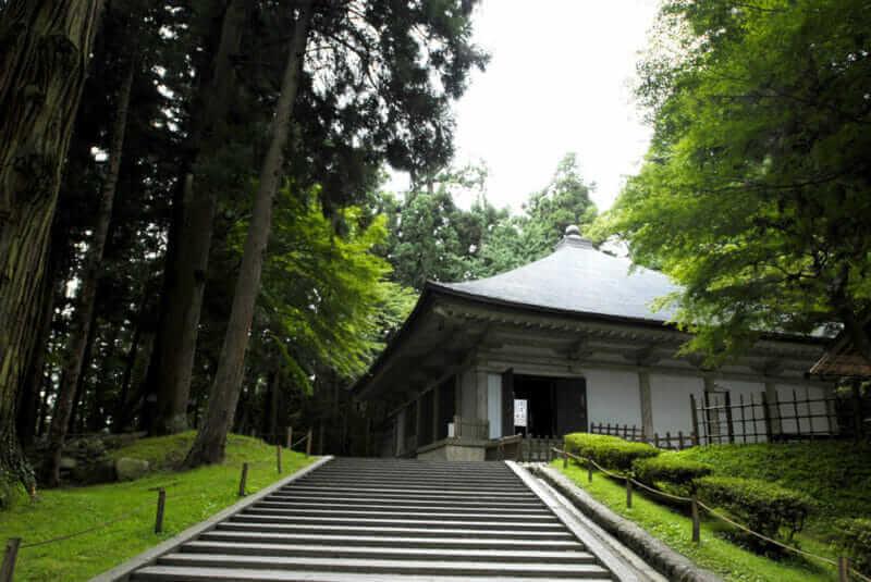 Chusonji Temple KONJIKIDOU Appearance = shutterstock