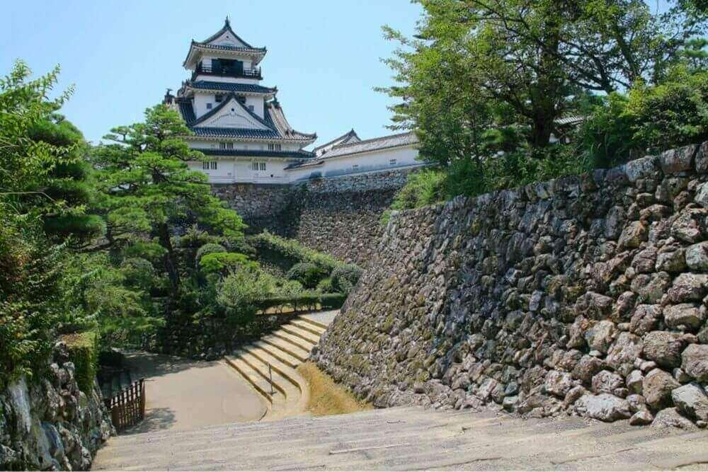 Башня замка Кочи, Кочи, Кочи, Япония = Shutterstock