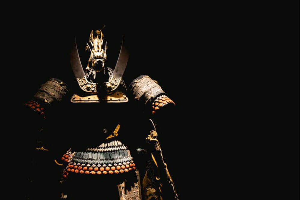 समुराई संग्रहालयमा समुराई कवच, शिन्जुकु जापान = शटरस्टक