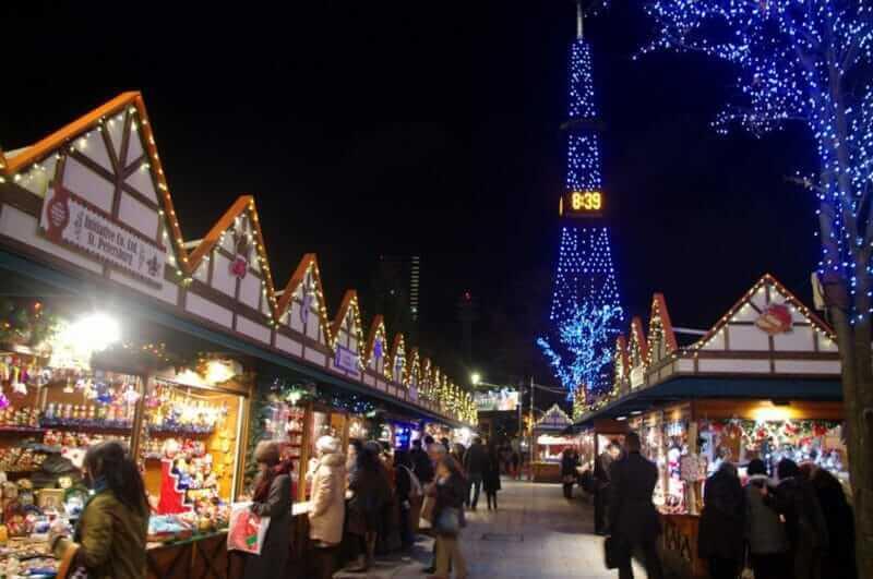 Christmas market in Odori Park, Sapporo = shutterstock