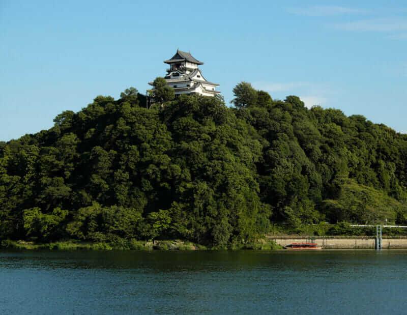 জাপানের আইচি, ইনুইয়ামা শহরে ইনুয়ামা দুর্গ = জাপানের শাটারস্টক