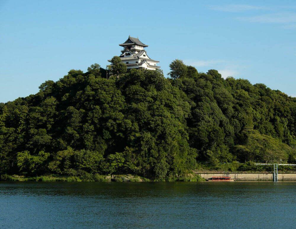 Inuyama castle in Inuyama city, Aichi, Japan = shutterstock