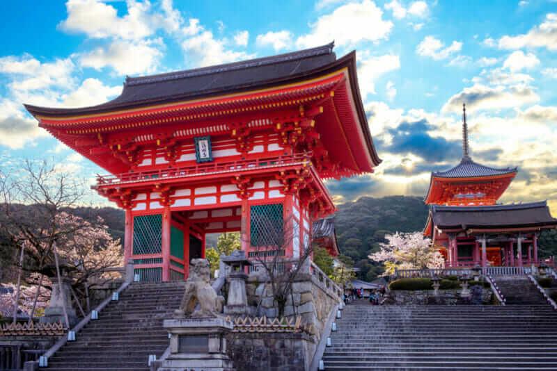 deva gate of Kiyomizu-dera in kyoto = shutterstock