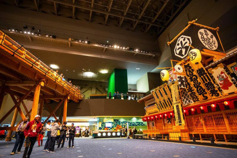 Постоянная экспозиция Токийского музея Эдо наглядно иллюстрирует прошлое Токио (известного как Эдо) и охватывает особенности столицы от периода Эдо до относительно недавних десятилетий = shutterstock