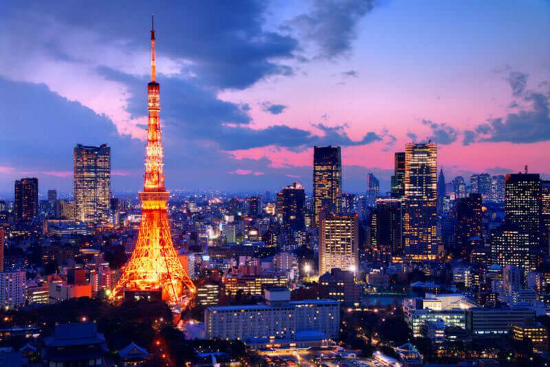 Токийская башня в сумерках = затвор