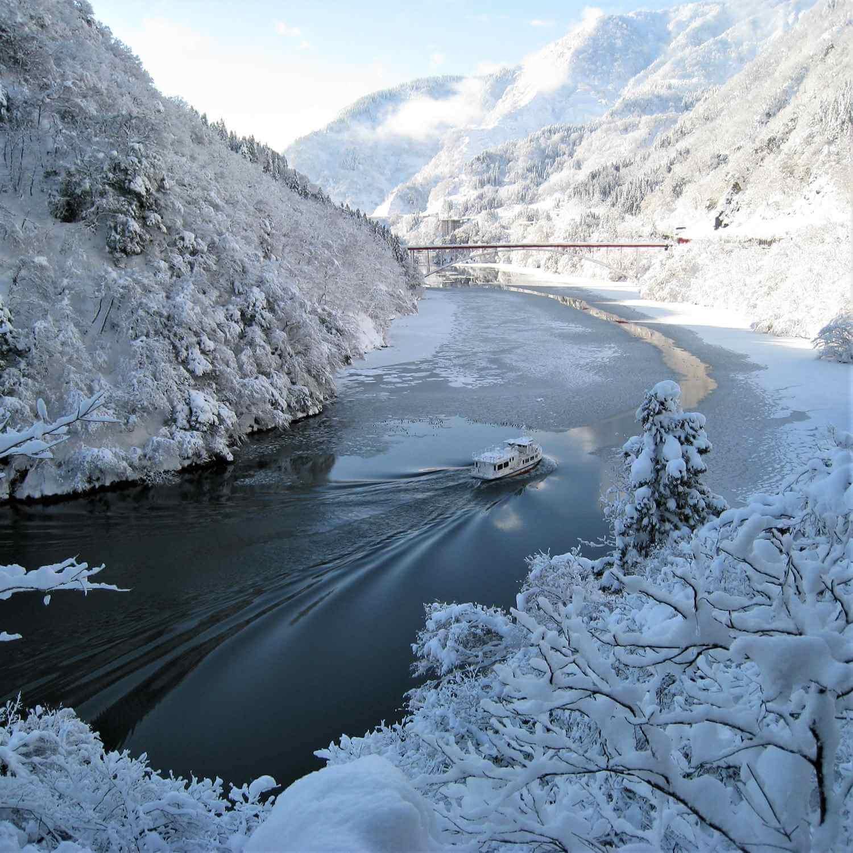 Pelayaran Shogawa Gorge di Toyama Prefecture10
