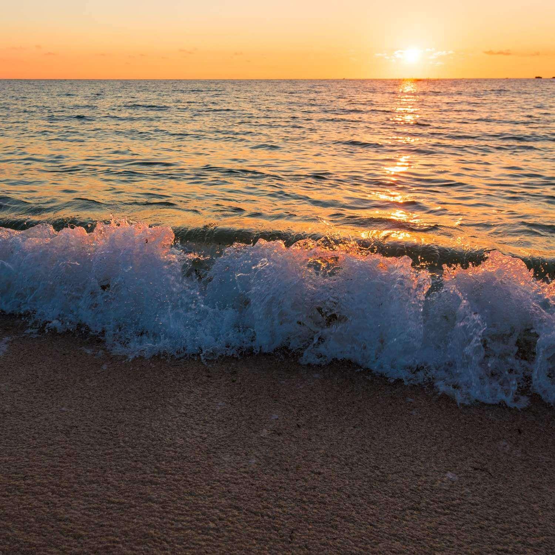 Okinawa beach, Japan = Adobe Stock 1